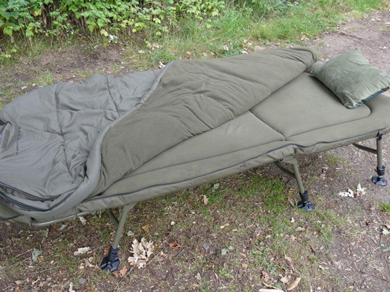 Avid Carp Benchmark X Memory Foam System with sleeping bag